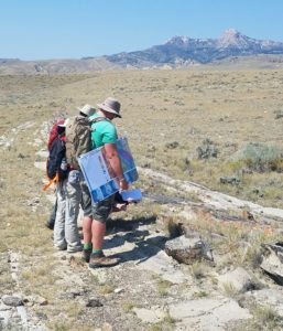 field seminar team looking at band accretion, Bighorn Basin